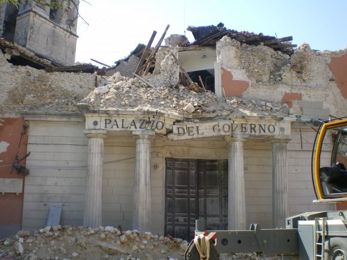 2009년 지진으로 피해를 입은 이탈리아 라퀼라. - 위키피디아  제공